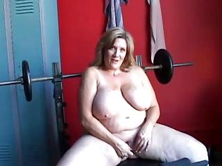 huge cougar solo pleasure