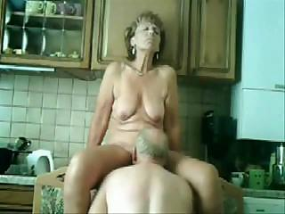 awesome stolen video of lady and dad having