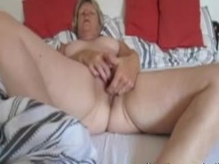 elderly roxanne from canada fingering at home
