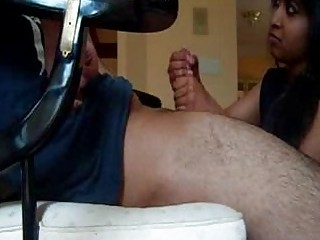 indian housewife gives awesome handjob
