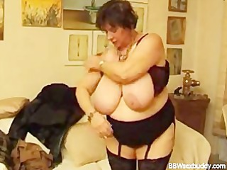 mature bbw gets it in the anal