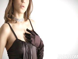 glam idol yuria shows off her luscious curves in