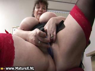 desperate heavy cougar chick copulates part1