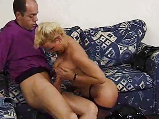 matureblonde and horny!