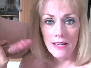 aged housewife facial