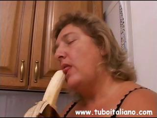 american mature is horny and takes a big penis to