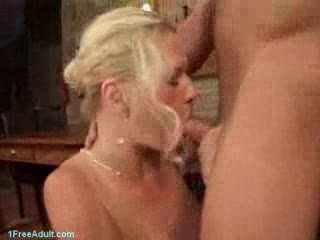 german mature babe into fuck by more amateur guy