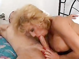 horny chick sammie sparks squeezes a fat libido