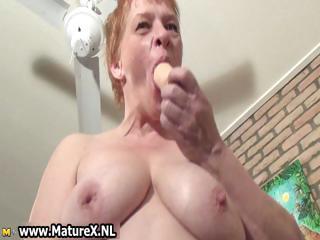 elderly busy maiden wanking her pussy part3