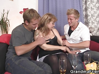 cocksucking milf is driving cock