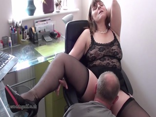 english mother id enjoy to bang performs on cam