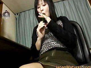 japanese milf enjoys masturbation part4