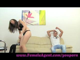 femaleagent. stud obtains stage fright