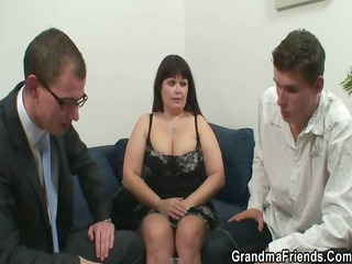 older fatty acquires nailed by two dicks
