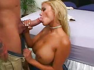 milf slut with huge breast gets her poon tang
