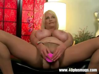 hefty blonde cougar into stockings