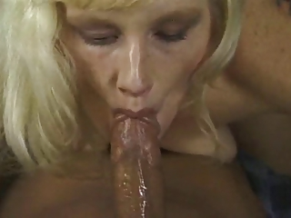 older dick sucker obtains a facial
