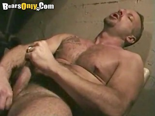 mature guy jerking off