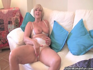 chunky grandma with big old marangos bonks a