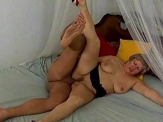 chubby slutty mom needs hard bottom sex