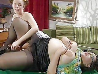 fresh and mature brunette lezzie fisting on
