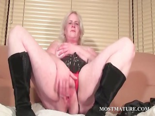 solo scene with grownup rubbing pussy