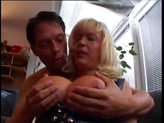 huge boobed layza german lady get cazzo troia culo