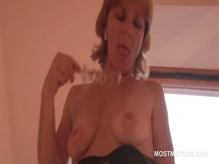 good looking older pushing dildo her craving cave