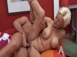 mature blondie drilled by amateur boy