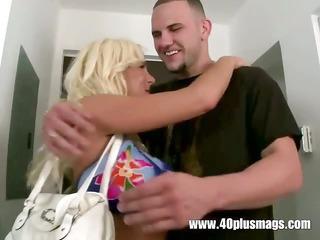 blonde horny divorcee cheyenne