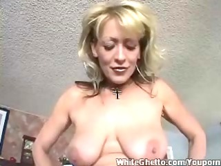 clean ghetto - busty cougar like his cock