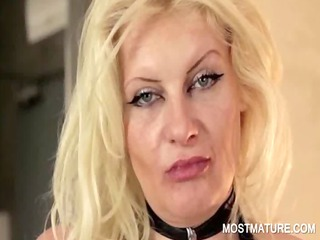 cougar inside latex doing labor large chest