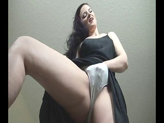 brunette milf into dark cloth joi