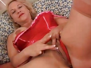 sweet cougar bleached is a squirter