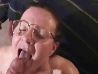 milf worships licking penis