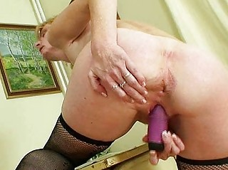 mature babe teacher filthy fisting after having a