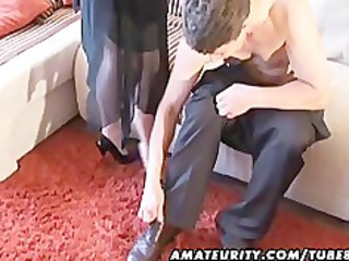 horny amateur older chick licks and gang-bangs