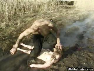 cougar housewife covered with mud part3