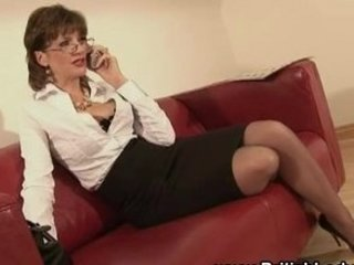 british mature lady foreplaying