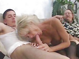 awesome grownup gives show 4 hubby