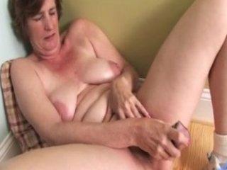 ray lynn older dildo masturbation