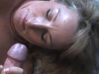 pale mature babe worships giving a messy blowjob