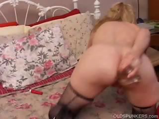 cougar young arse obsess