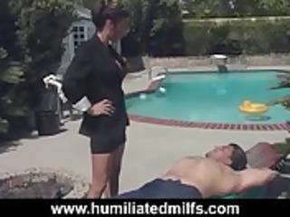facesitting mature babe teaches a lesson