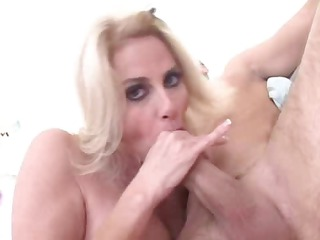 lady craves giant cock