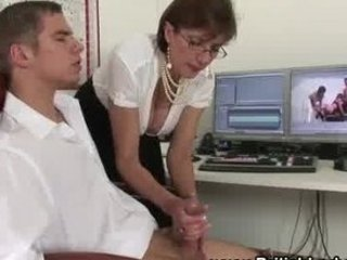 italian mature girl handjob