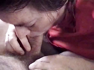 fresh housewife deepthroating her husbands fat