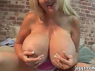 mammothh tits mature kayla kleevage