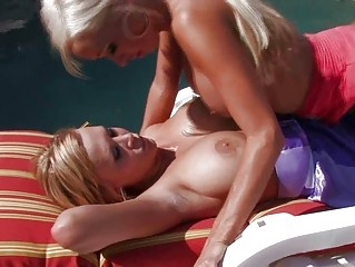 tanned bleached dike mommas tasting shaved twats