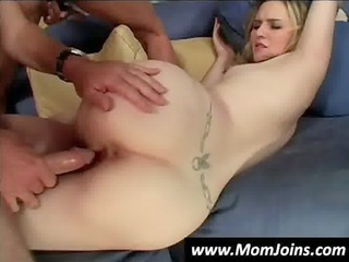 milf-and-daughter-fuck-the-same-guy-hi_05